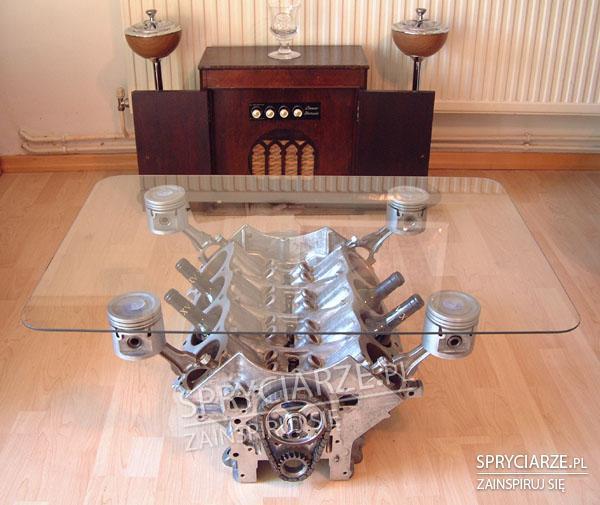 Silnikowy stolik