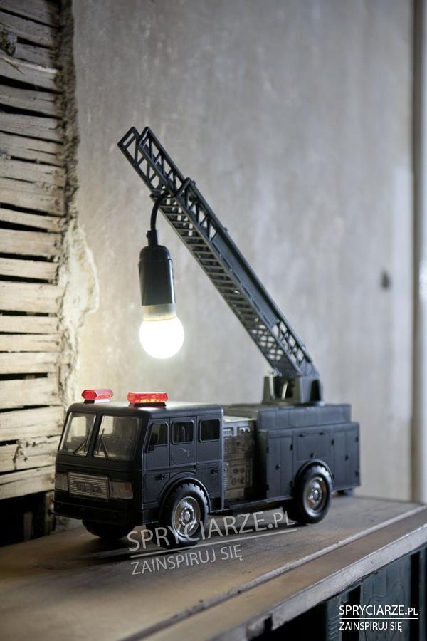 Lampka z zabawki