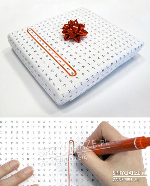 Papier do prezentów z literkami