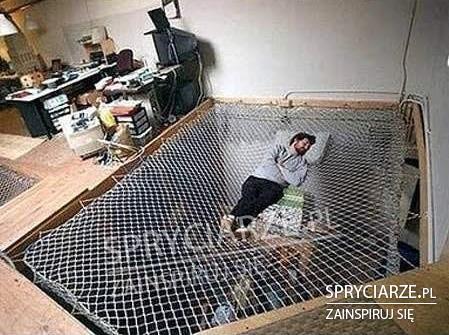 Łóżko z siatki